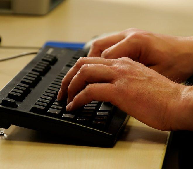 Das Zehnfingersystem – Blind im Rekordtempo tippen